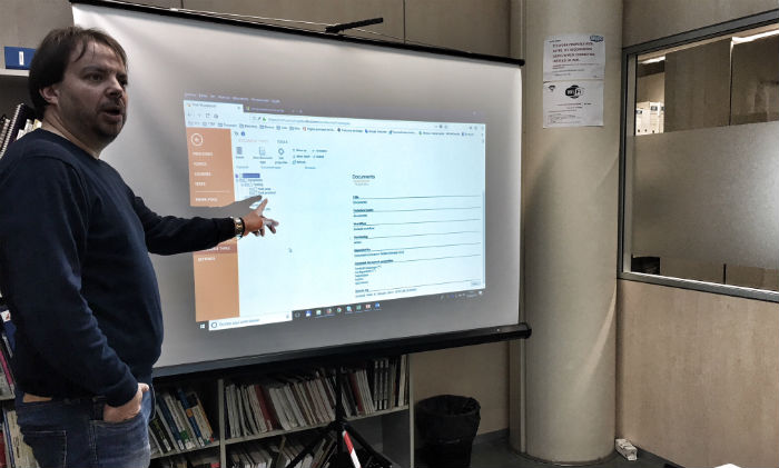 Juan Luis Fernandez is teaching us TTS